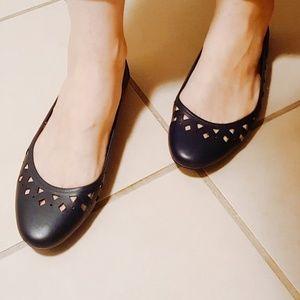 34c430e99189 Michael Kors Shoes - Michael Kors Sunny Ballet Cutout Flats